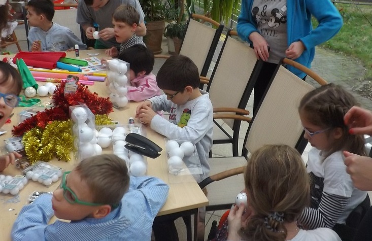 Dziecięce zabawy stolikowe